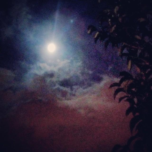 La lune comme en plein jour